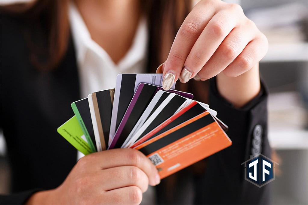 信用卡刷了好幾十萬